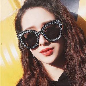 New Style✨ Star Rhinestones Sunglasses 😎 ✨